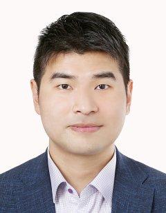 Woosuk Lee